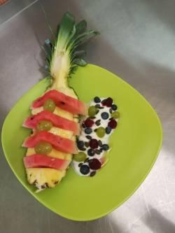 ovocny-salat-soutezni-pokrm.jpg